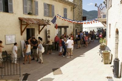 Stands install s lors de la 2eme f te du patrimoine aout 2013